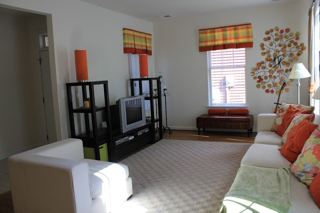 Different Color Carpets Used In Same Room