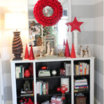 Holiday Home Tour – Entryway Mantel