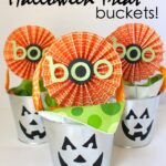 Simple Halloween Treat Buckets!
