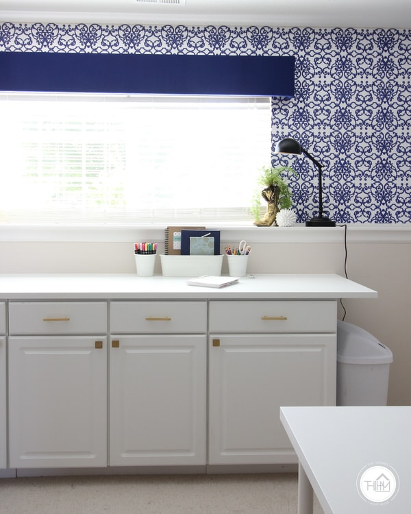 Renter-Friendly Wallpaper in Home Office