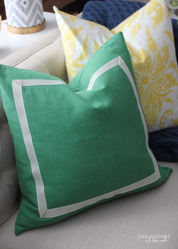 No-Sew Ribbon Pillow