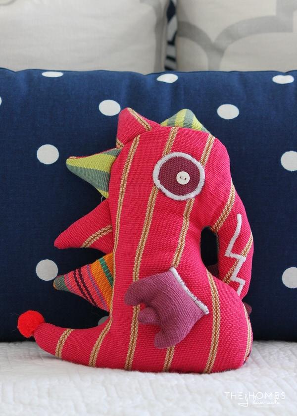 GlobeIn Seahorse Pillow Pet