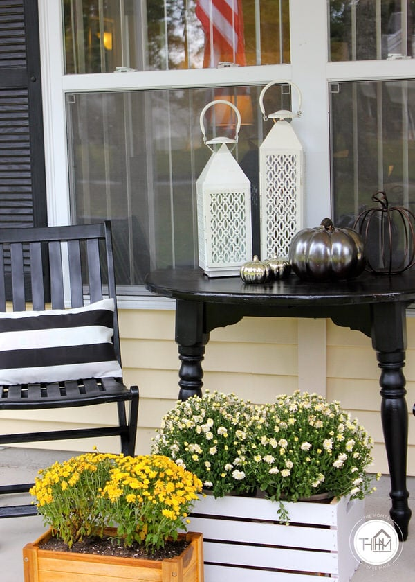 Black and White Fall Porch Display