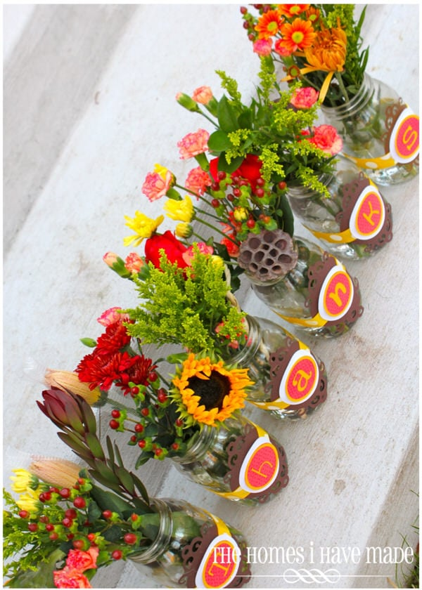 Thanksgiving Table Centerpiece (with fresh flowers in mason jars!)