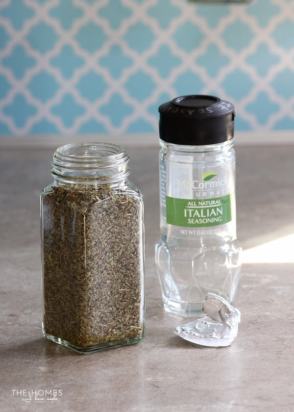 MagnetJars are clear, glass spice jars with heavy-duty magnets secured to the back! They hold a single jar of spices perfectly!