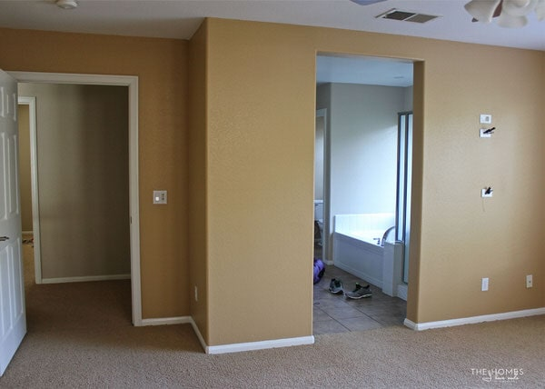 """We're moving into our 7th home in 11 years! Come tour this """"blank slate"""" of a house...our home for the next few years!"""
