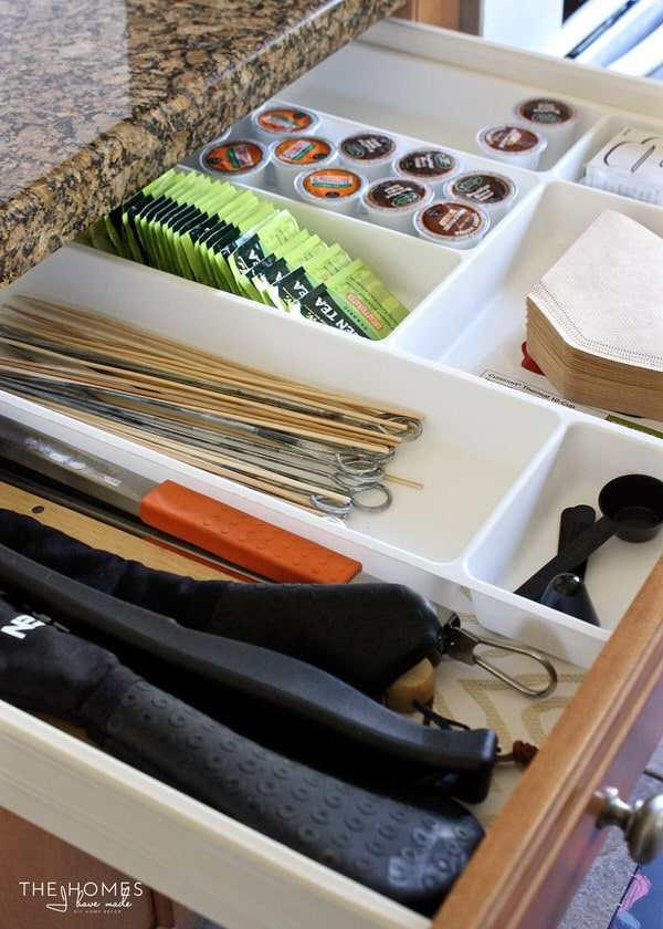 Keep like items together when organizing kitchen drawers