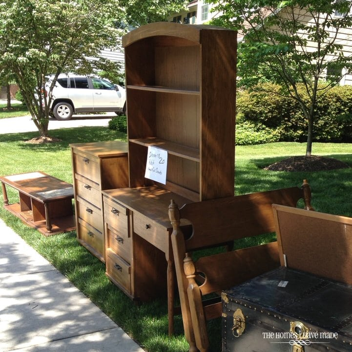 10 tips for an awesome yard sale the homes i have made for Furniture yard sale