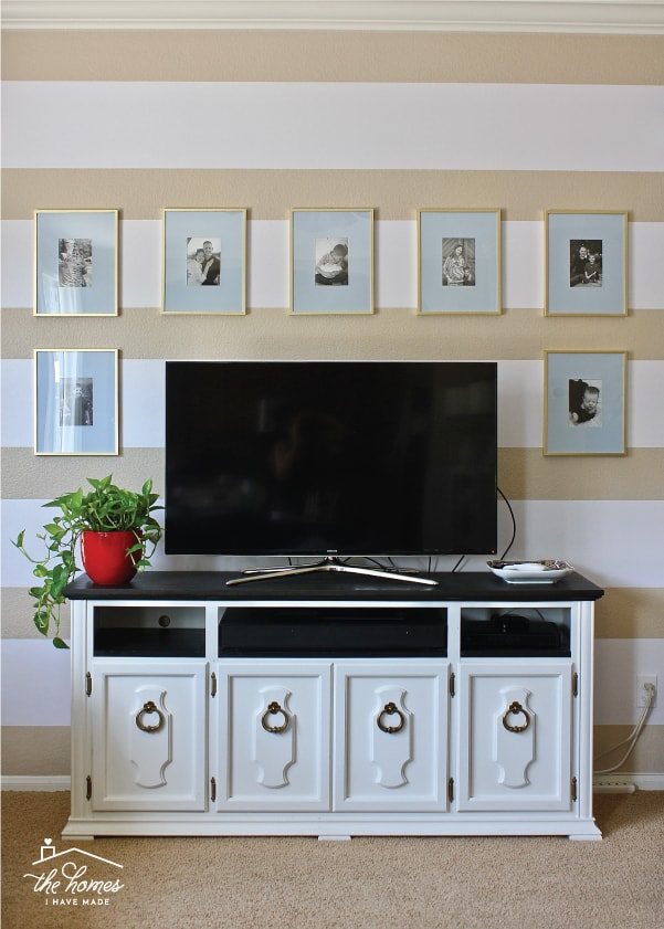 There are lots of different things you can use to line drawers and shelves, including expensive chic shelf liners. Read on to find out if expensive shelf papers are worth the extra cost!