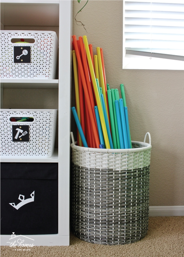Storing toys so that they look nice and can be played with can be tricky! Check out these smart, easy and function toy storage solutions!