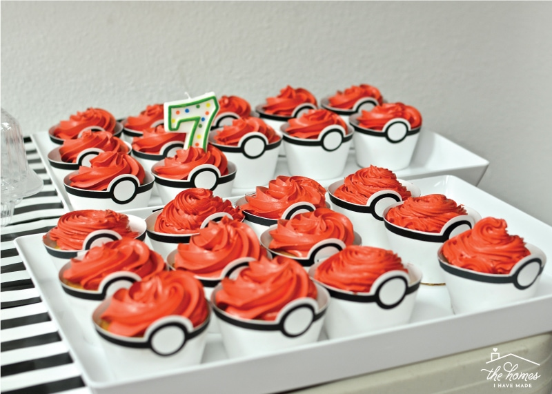Get Ready For Any Pokemon Themed Party With These Adorable And Easy Diy Pokeball Cupcakes