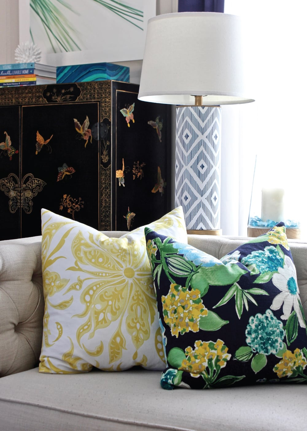 Learn how to mix patterns like a pro by employing these tried-and-true designer tricks!